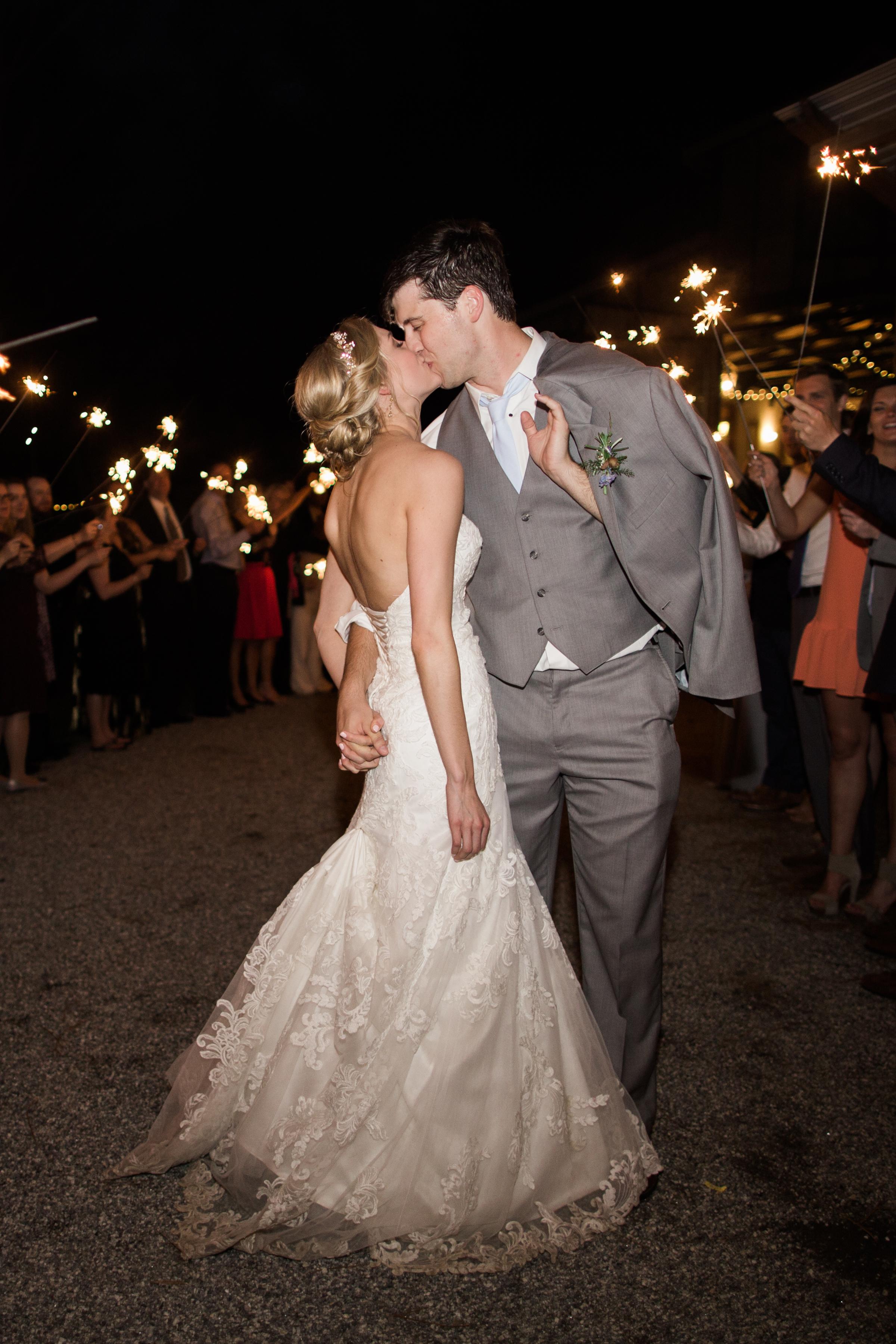 white-oaks-barn-wedding-dahlonega-ga-photographer-22.jpg