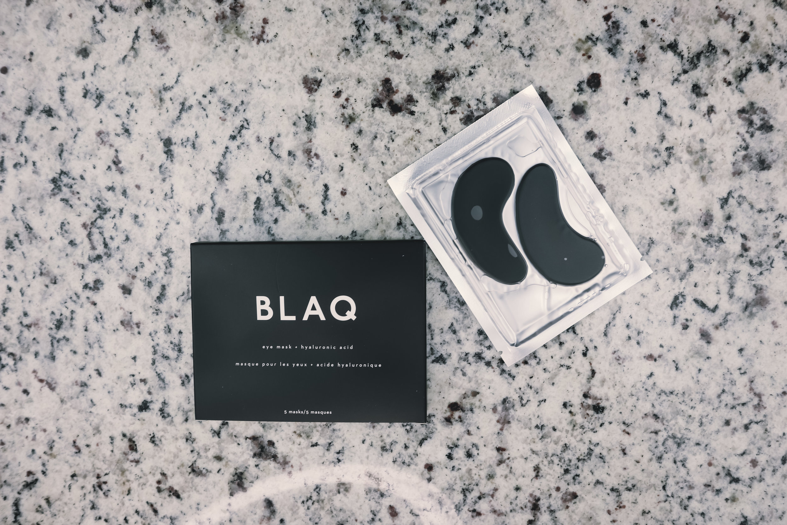 BLAQ HYDROGEL EYE MASK WITH HYALURONIC ACID ($29) - Pamper those tired eyes with this amazing mask!