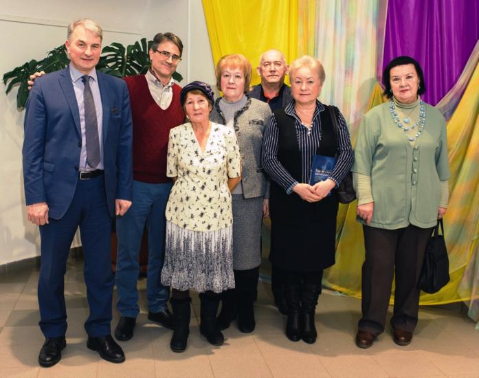 Alexander Repko, Irina Selezneva, Alevtina Mishchikhina, Valery Ledvanov, Ludmila Shubina and Nelly Pechatnova.    Photo: Andrei Kiryanov