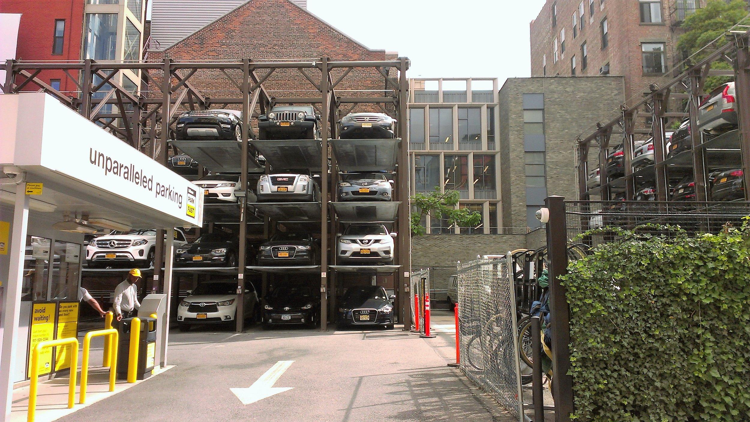 Новаторский метод борьбы с нехваткой парковочных мест.