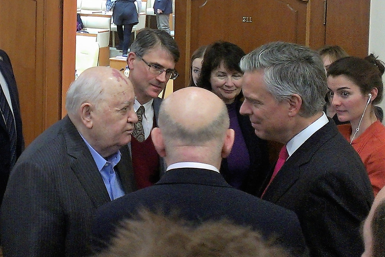 Горбачёв, Джастин, Палажченко и посол Джон Хантсман  Фото: Мария Булигина, издательство Весь Мир