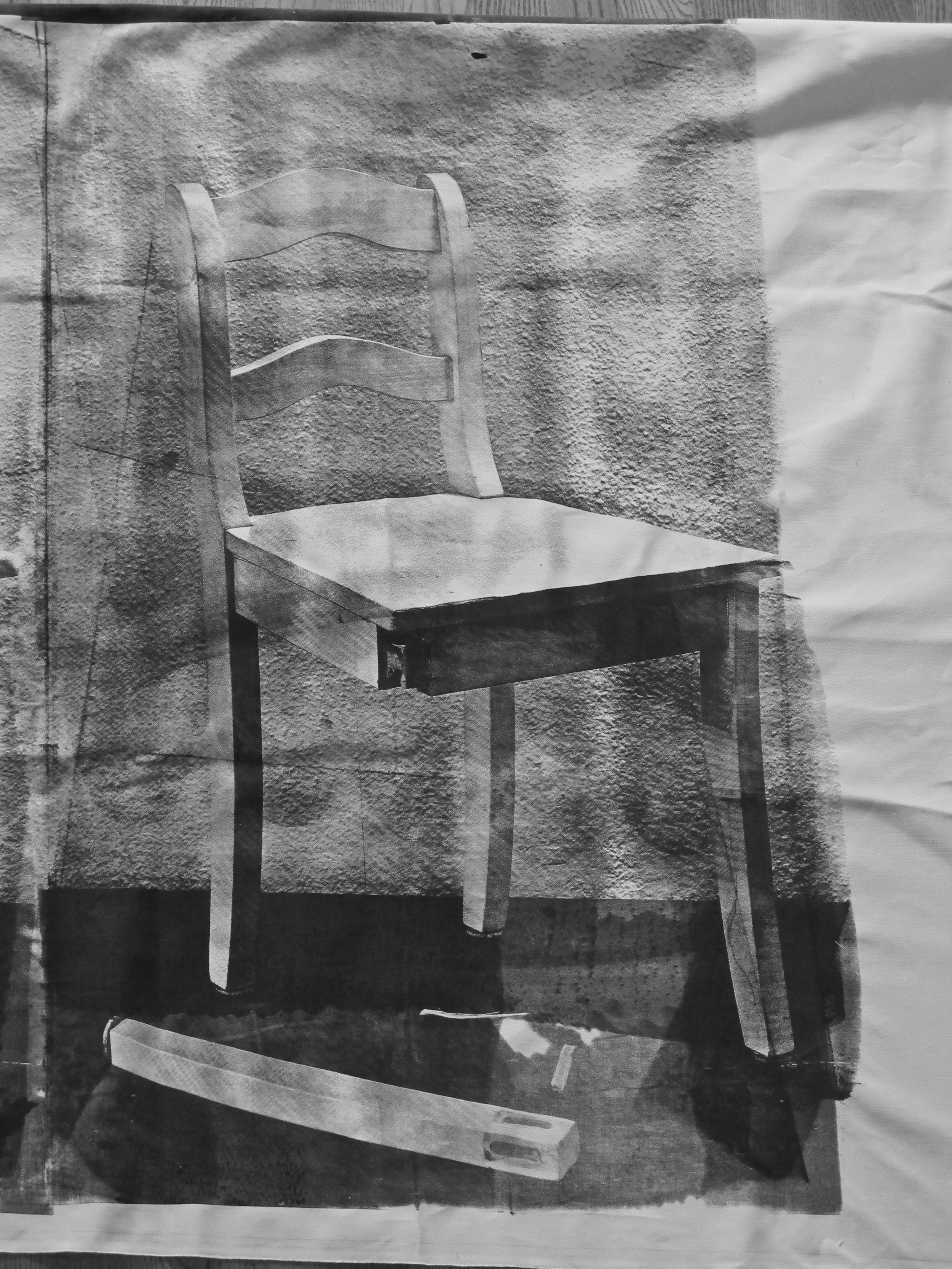 Siebdruck Motiv: Stuhl defekt Fundort: Tischlerei Material: Baumwolle Format: 2m x1,50m