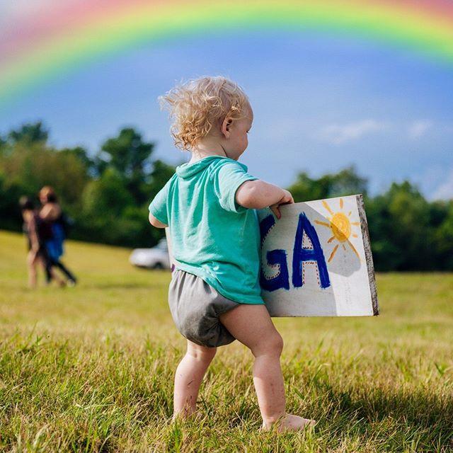 Create your own rainbow everyday 🌈 ⠀ .⠀ .⠀ .⠀ .⠀ .⠀ .⠀ .⠀ #yogababy #yogachild #rainbows #rainbowbaby #magicrainbow #naturesart #art #artfestival #yogainmaine #yogalife #yogathisway #loveyoga