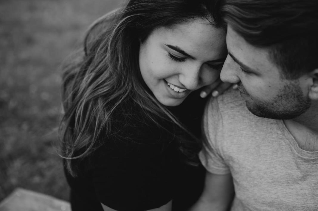 26_coupleshoot_mountain_session_authentic (27 von 47).jpg