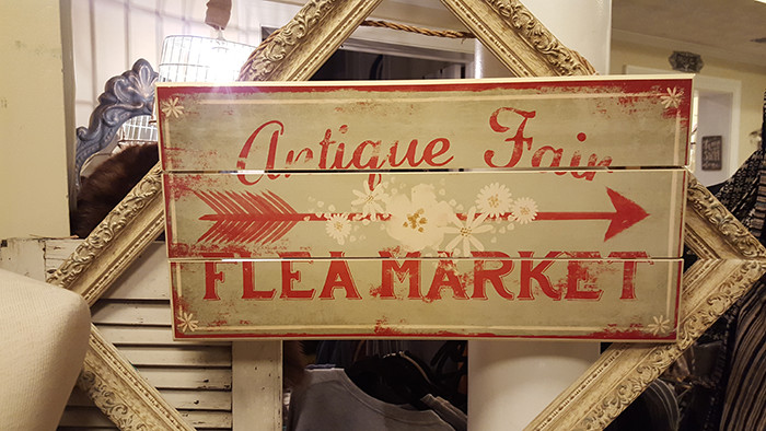 sign_antiquefair_FleaMarket.jpg