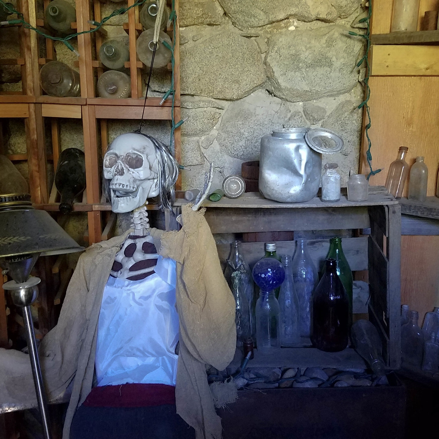 crown-king-bottle-museum