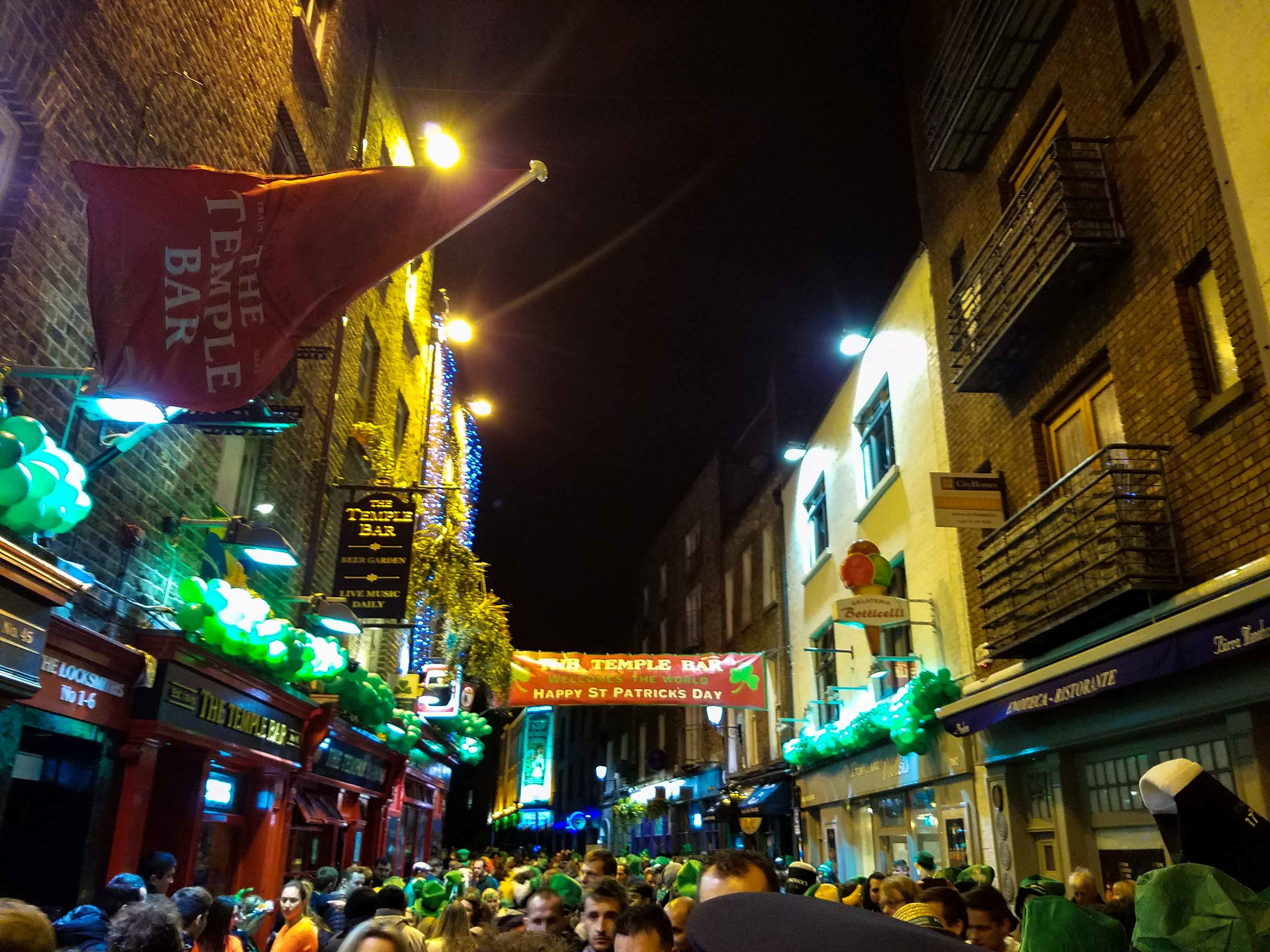 temple-bar-st-patricks-day