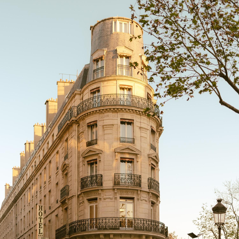 Immeuble du 10ème arrondissement -Toutes les photos sont sous Copyright © 2017 Jeff Frenette Photography / dezjeff. Pour utilisation des photos, me contacter au dezjeff@me.com