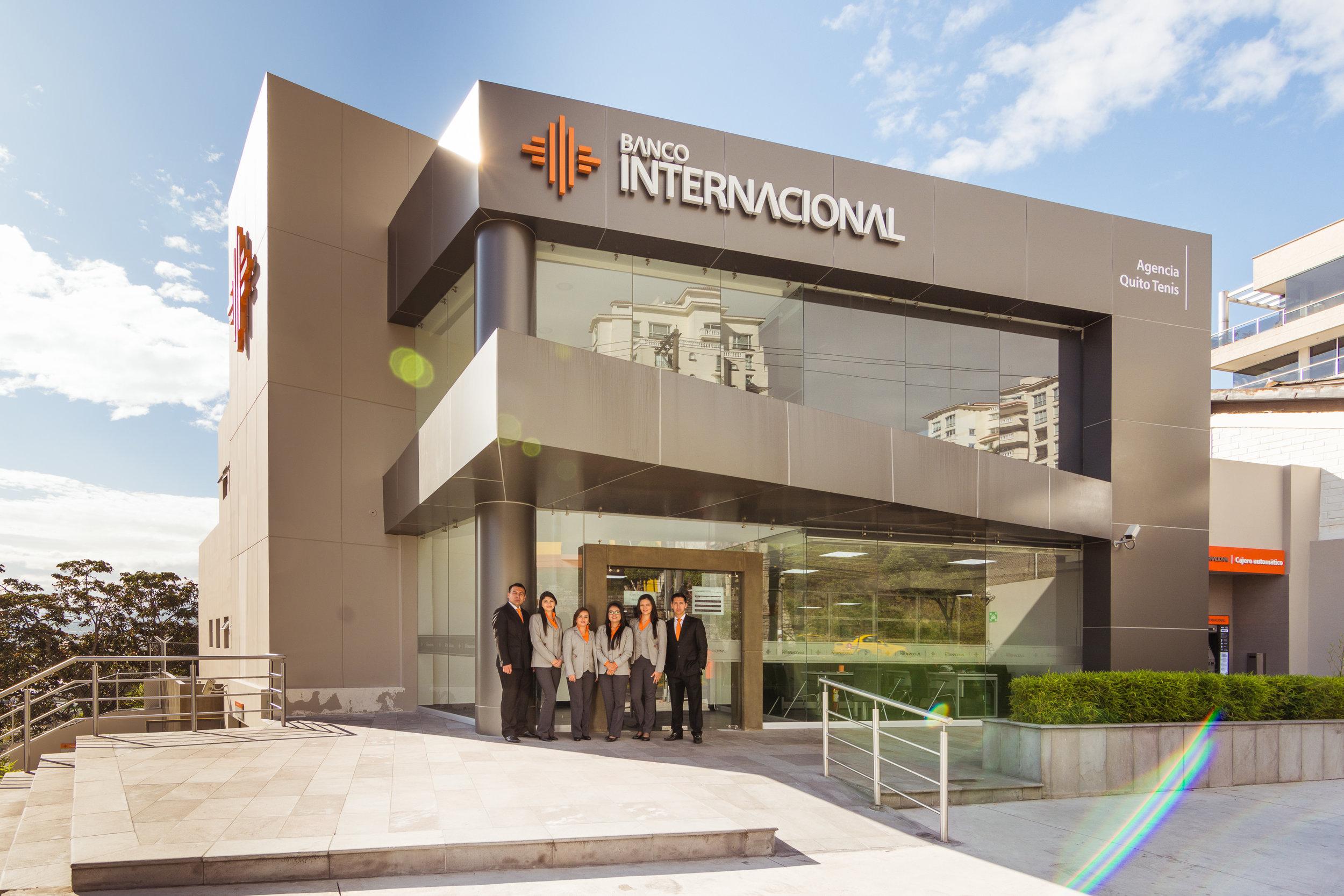 BANCO INTERNACIONAL - Nueva Agencia Quito tenis.