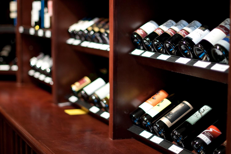 edda_penny_farthing_liquor_store_03.jpg