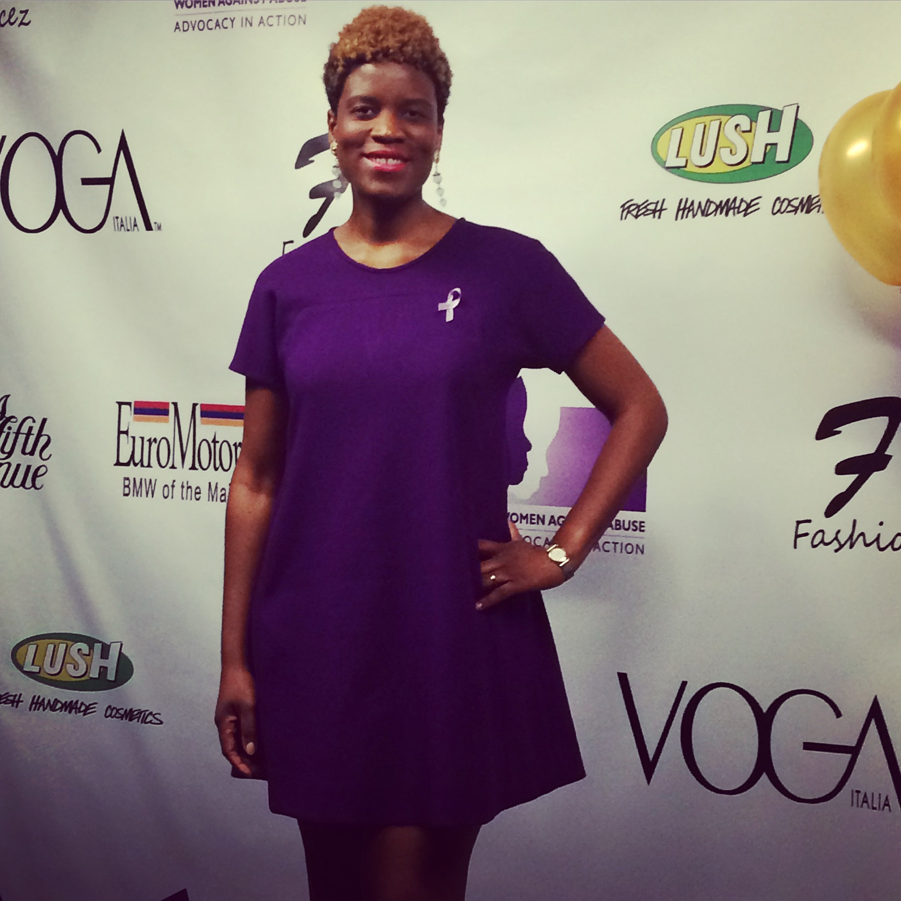 On the purple carpet tonight for  #domesticviolenceawareness   and  #WomenAgainstAbuse  .   #BeautyEnNoir  #fashionshow     #FashionFacez
