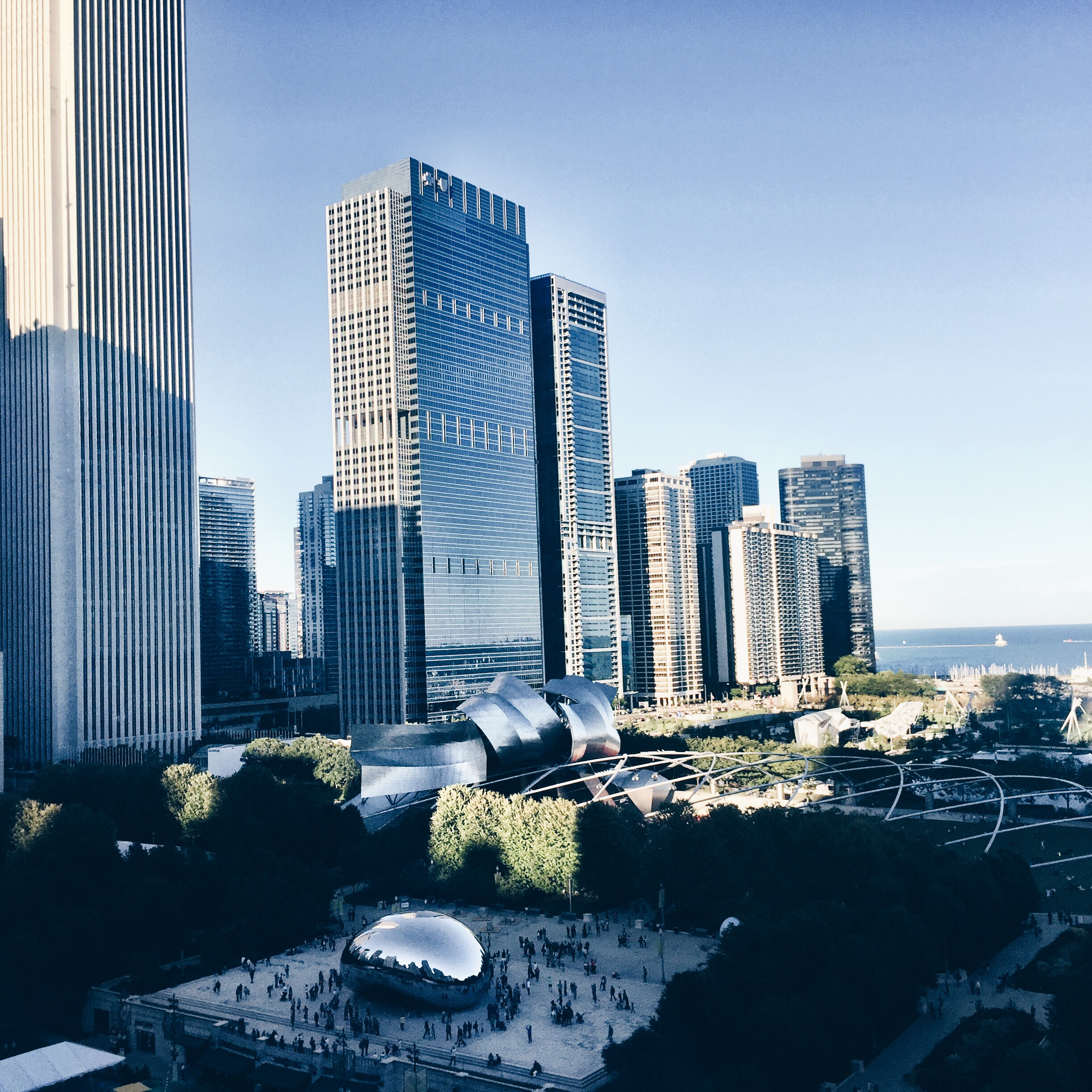 cocktails_chicago_view.jpg