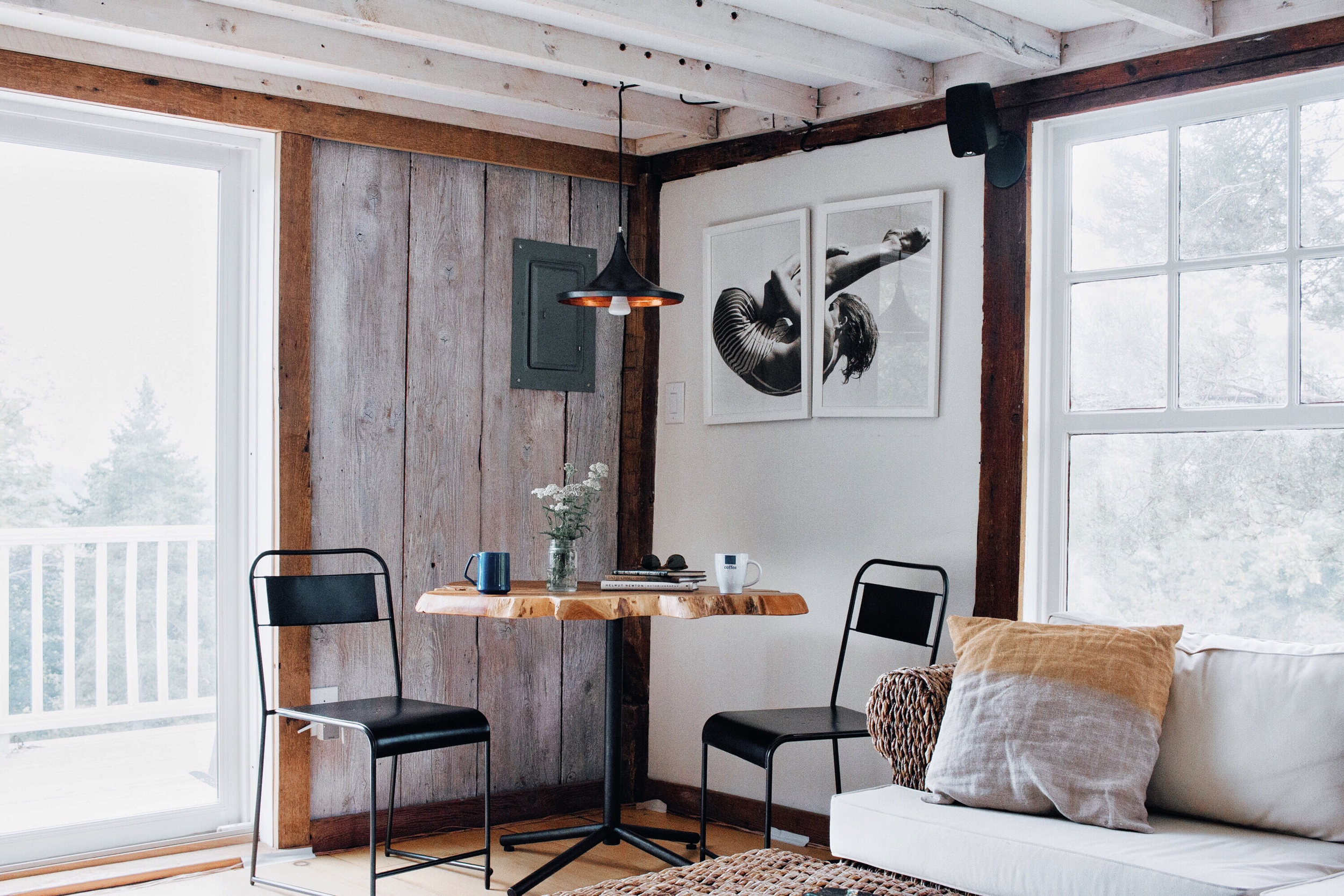 living_room_silent_g_guest_house