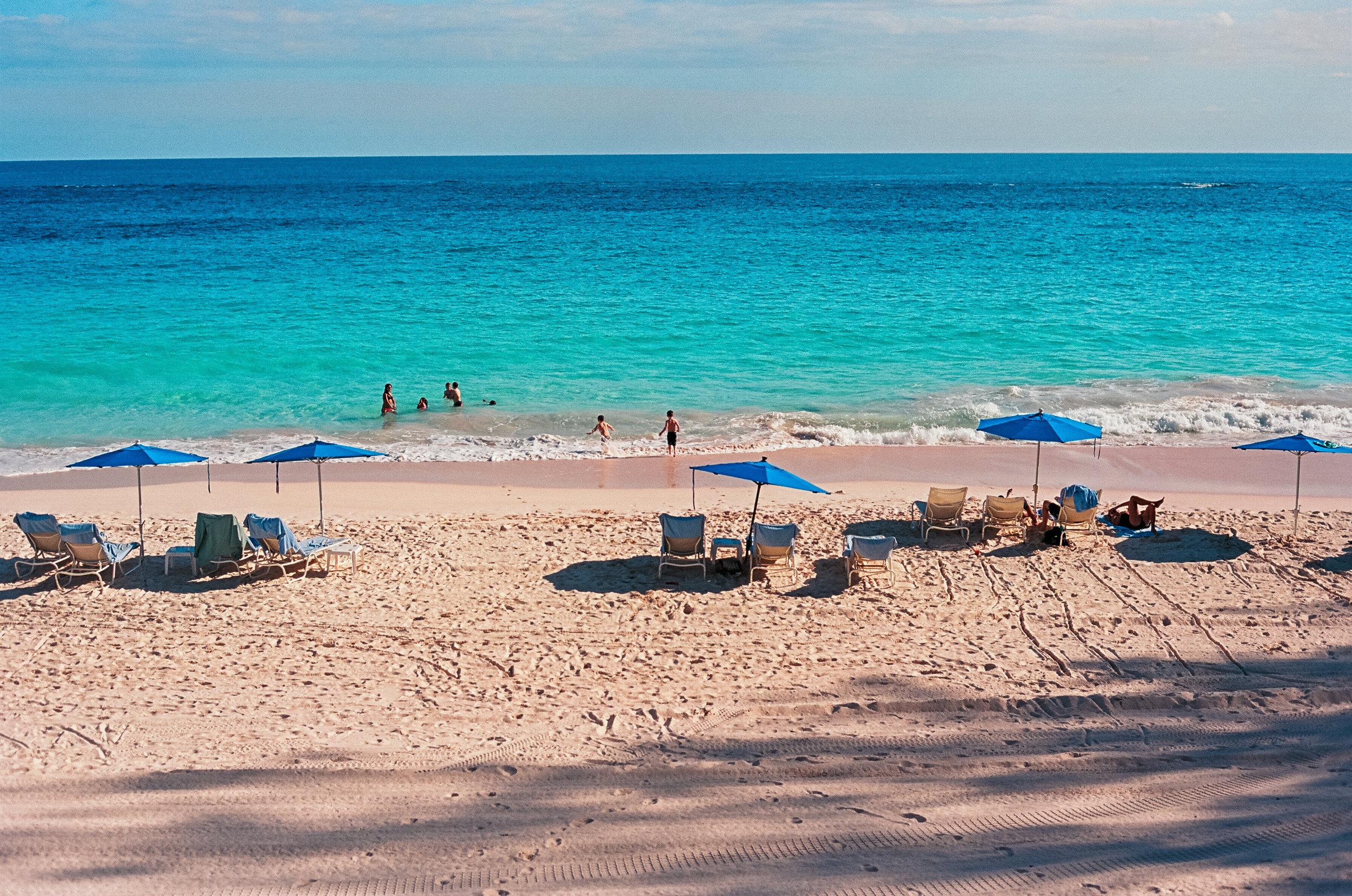 bermuda tuckers point beach