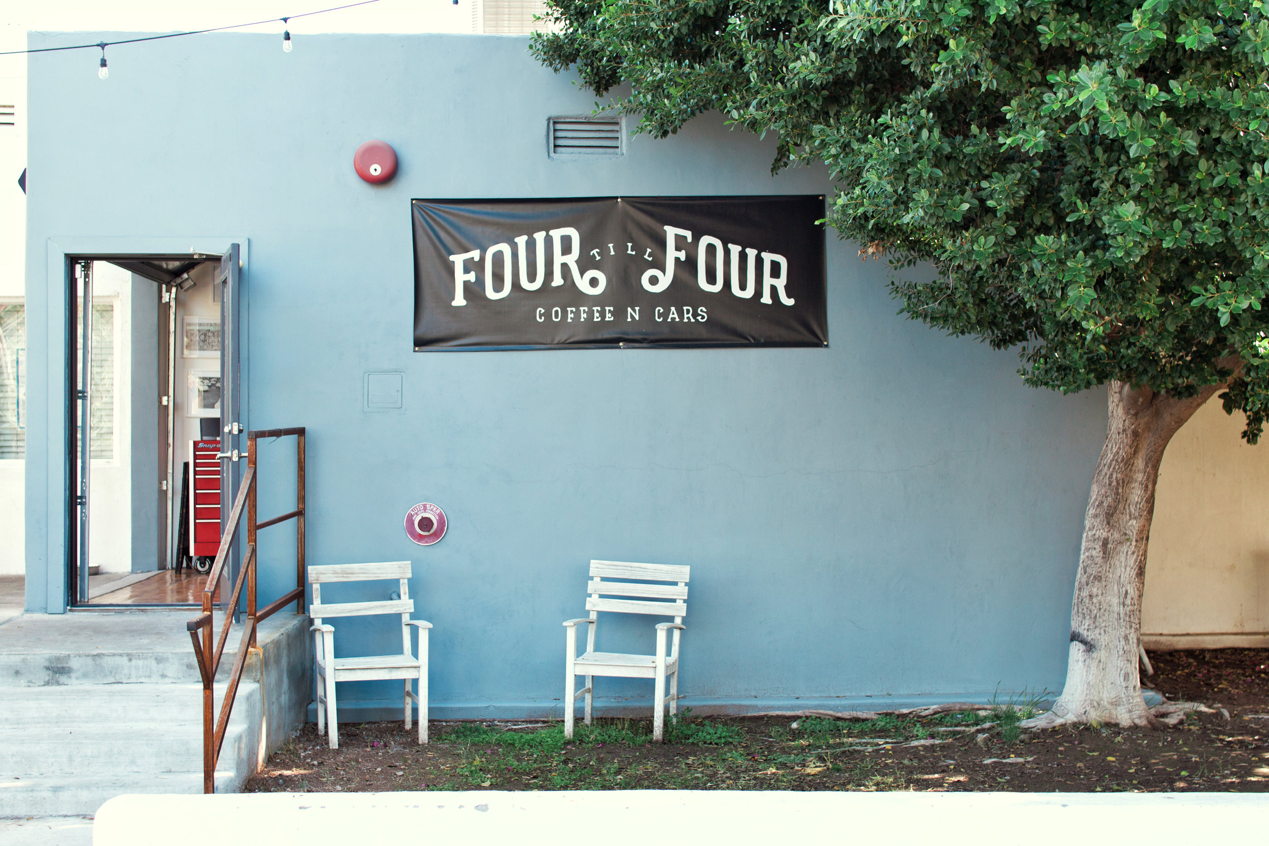 fourtillfourcoffee