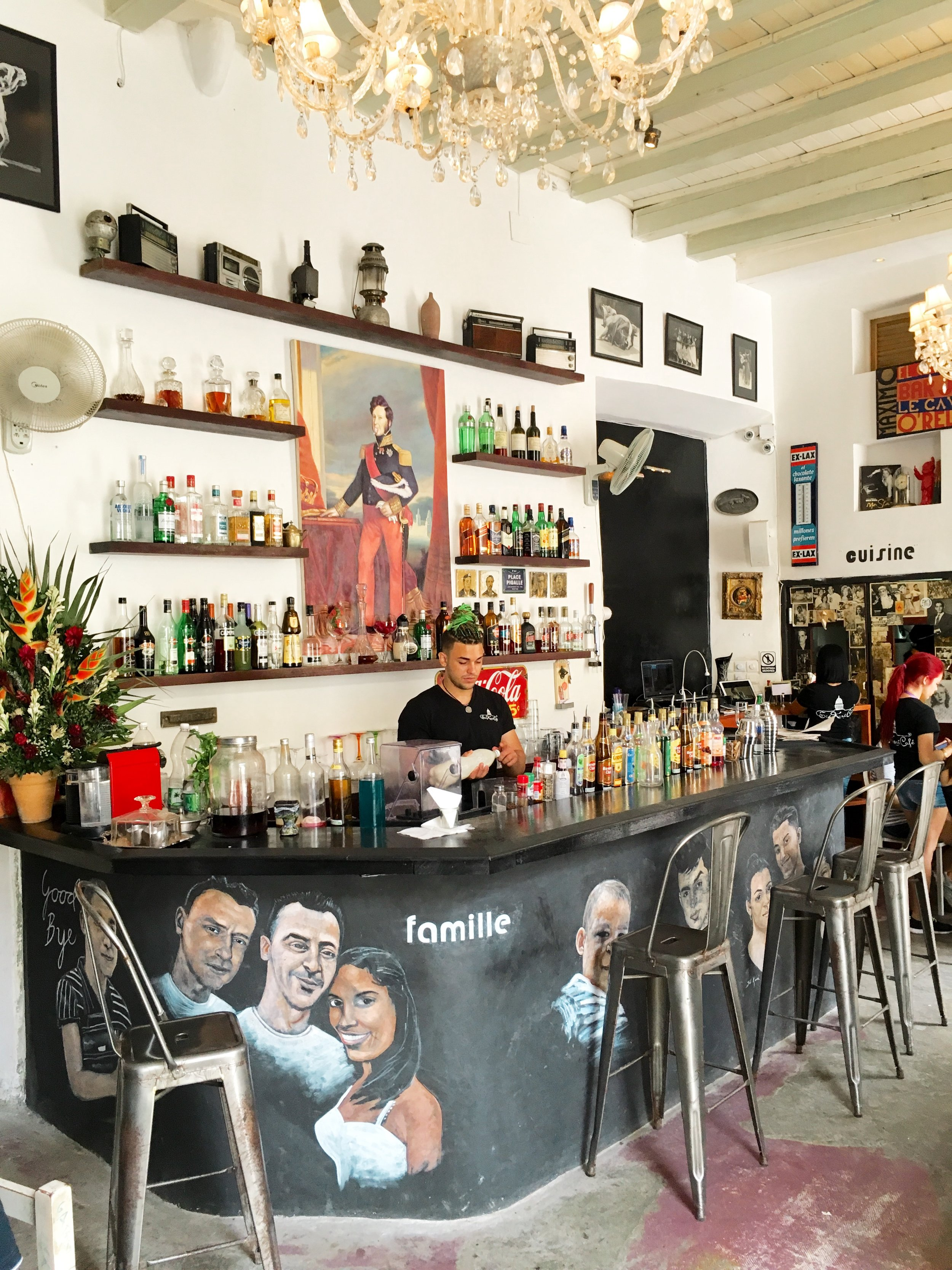 sia kara cafe bar