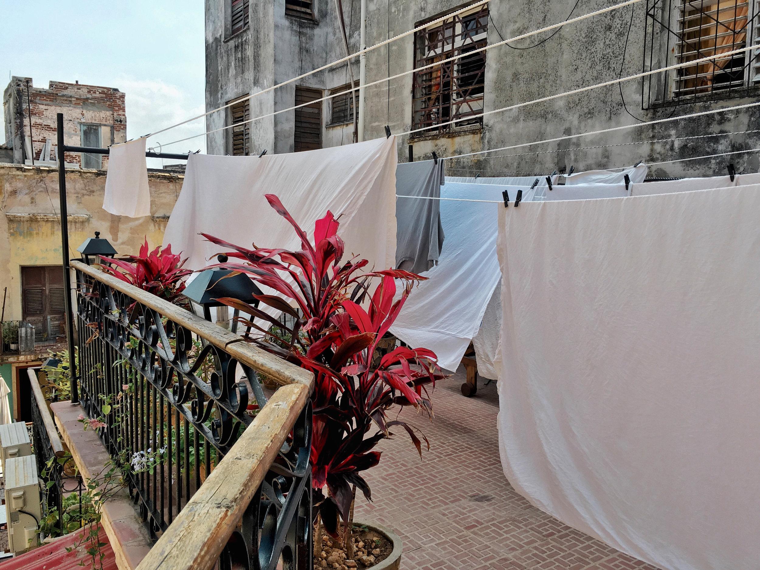 sueno cubano hang dry towels