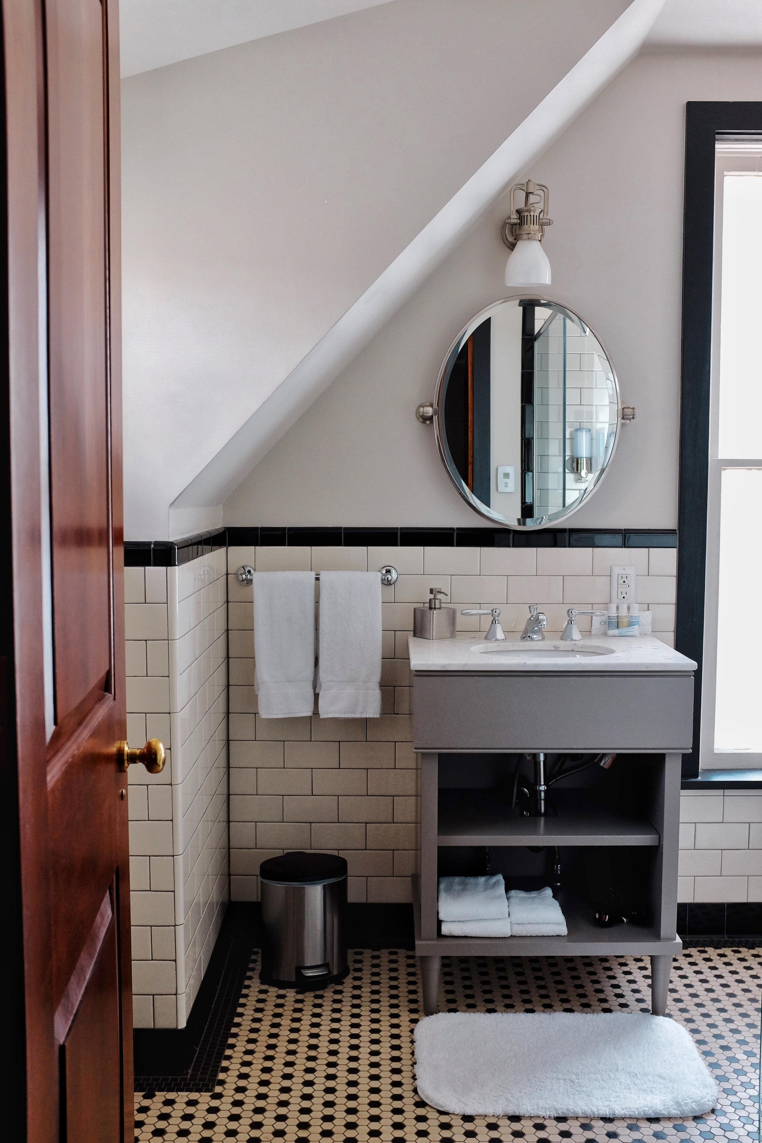 bathroom places to stay colorado springs