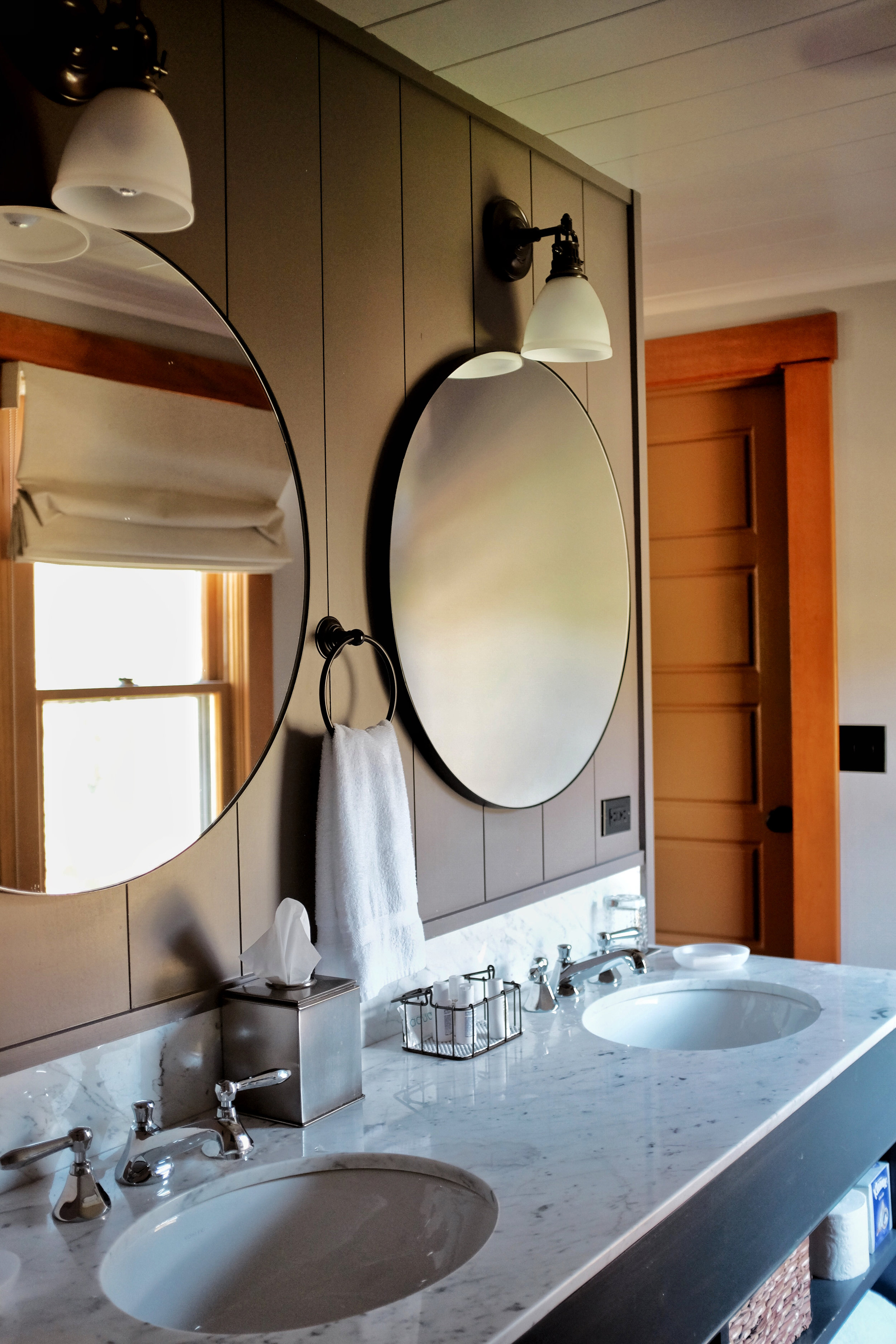 bathroom in the outlook lodge