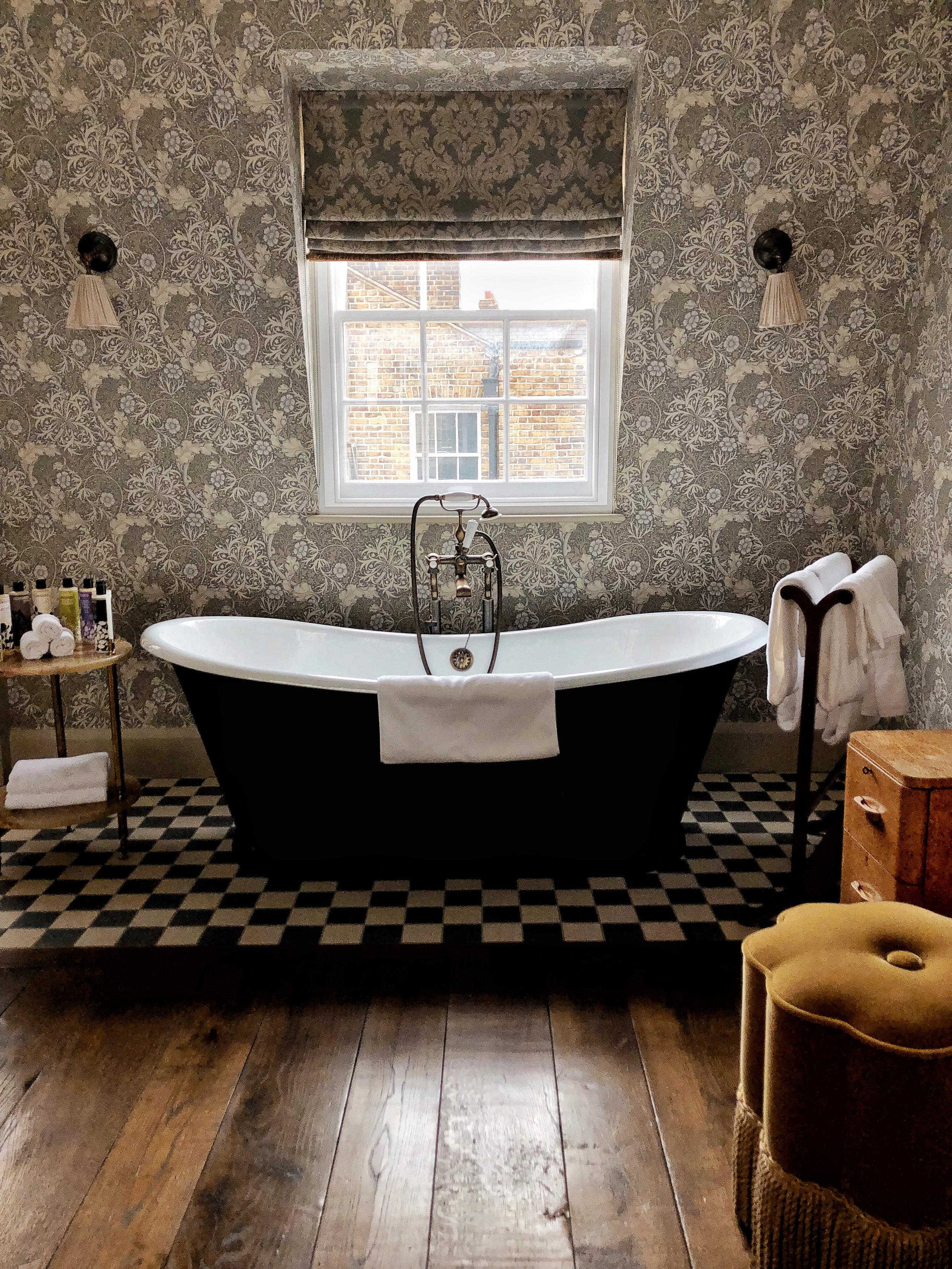 bath tub kettners townhouse