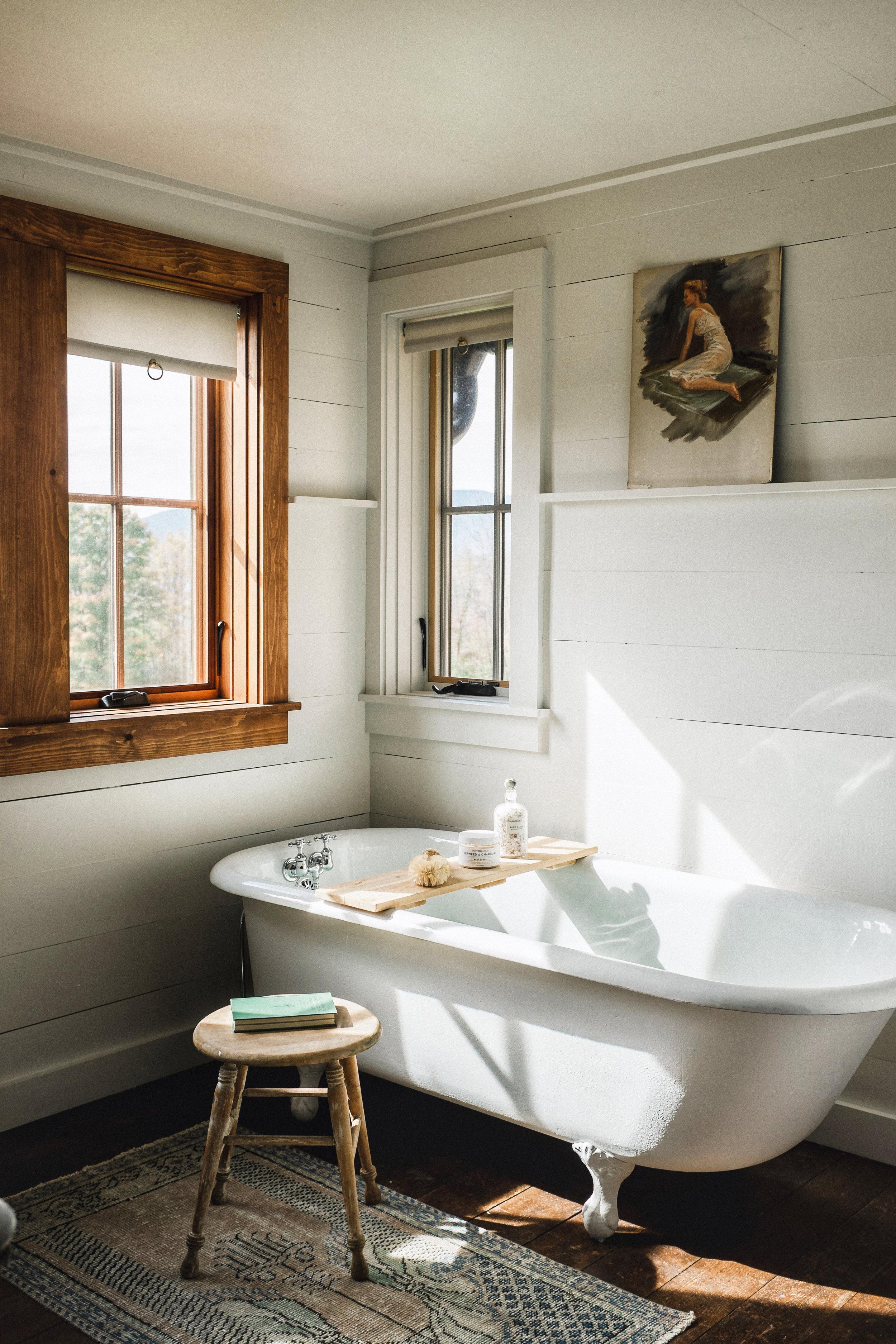 master bedroom bath tub