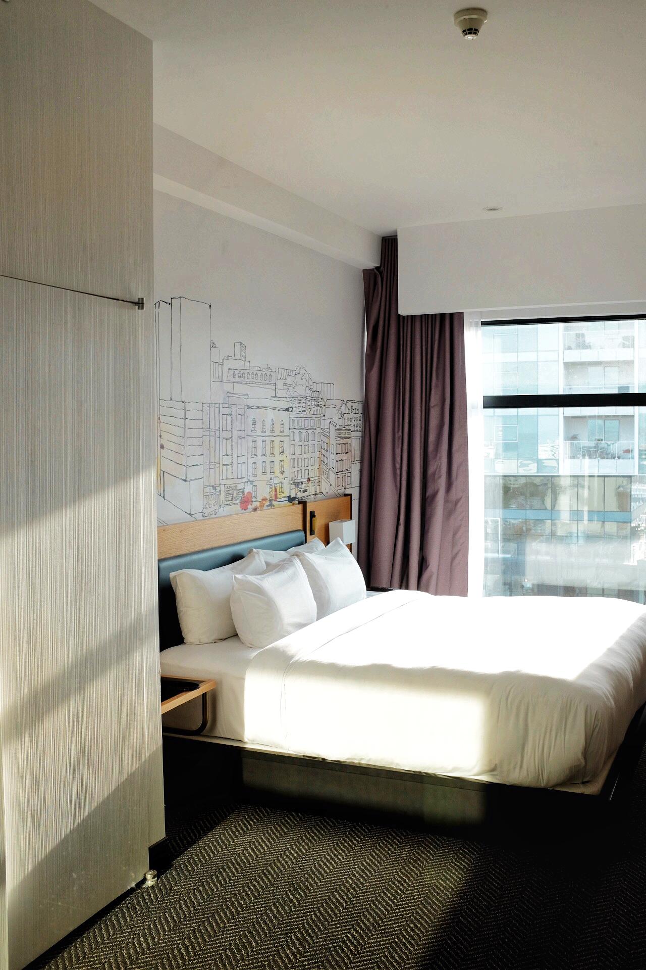 bedroom hotel pur