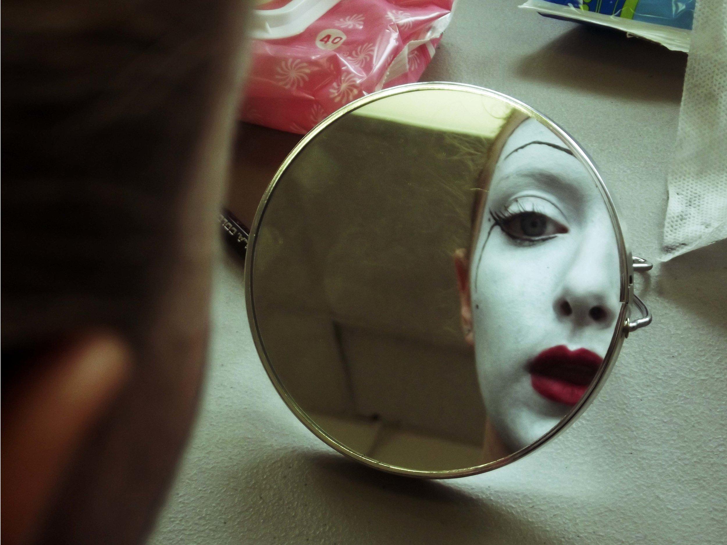 naomi mirror_edited-1.jpg
