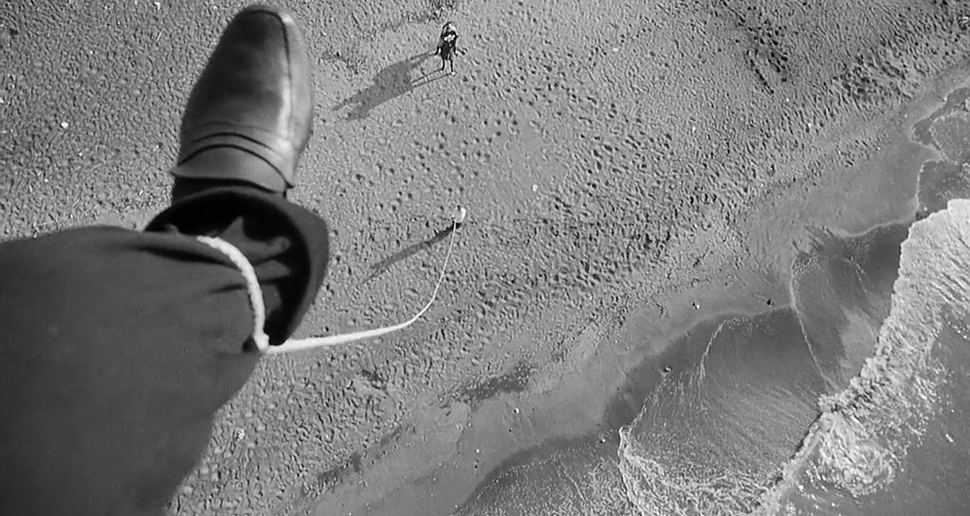 fellini-fregene-rope-sky-pull-down.png