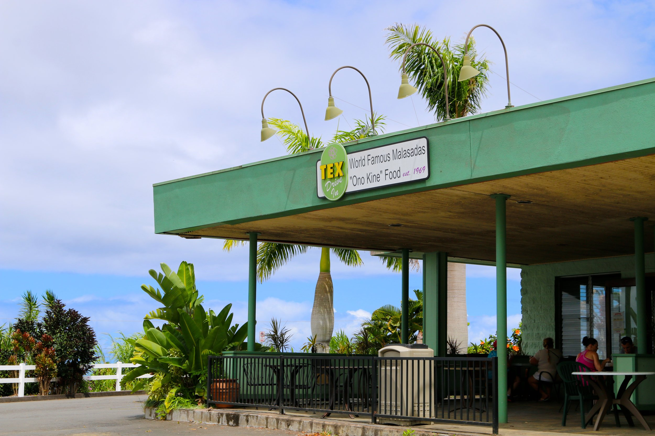 BACK TO SUNSHINE @ TEX DRIVE-IN IN HONOKAA