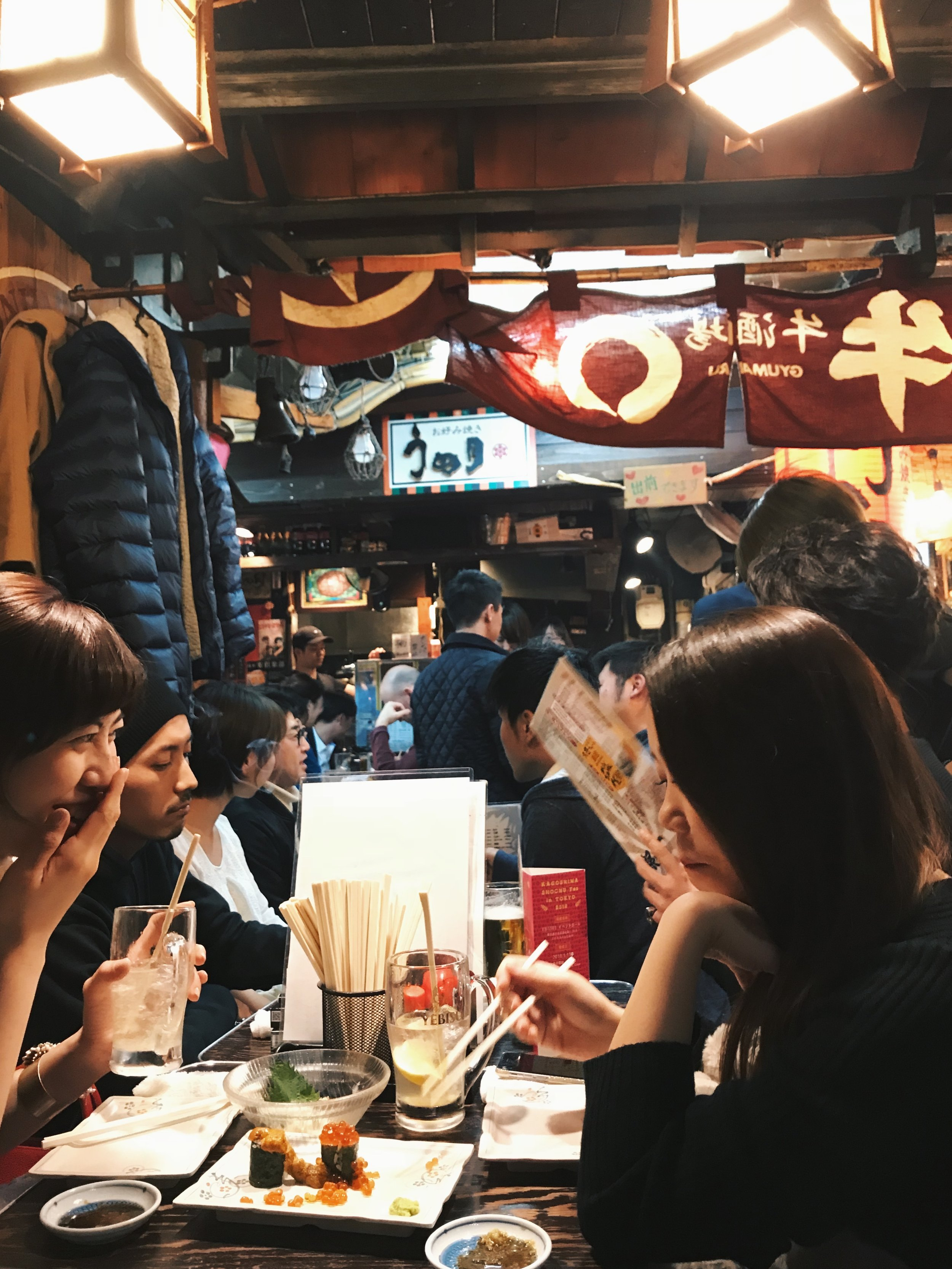 Cosy vibes at Ebisu Yokocho... more dreamy uni and roe goodness