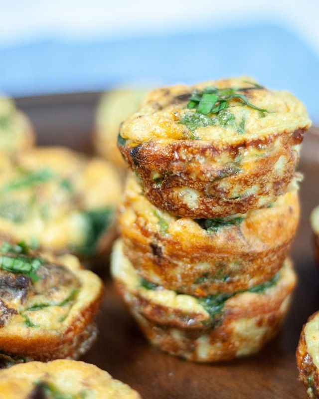 Parmesan cheese, sun-dried tomatoes, and spinach add a flavorful Italian spin to a classic meal prep favorite. Skip the cheese or add any leftover veggies you have on hand - this recipe is super versatile! 🍳⠀⠀⠀⠀⠀⠀⠀⠀⠀ ..⠀⠀⠀⠀⠀⠀⠀⠀⠀ Find the recipe on our blog or inside the app (link in our bio 👉Spinach and Sundried Tomato Egg Cups)⠀⠀⠀⠀⠀⠀⠀⠀⠀ ..⠀⠀⠀⠀⠀⠀⠀⠀⠀ .⠀⠀⠀⠀⠀⠀⠀⠀⠀ .⠀⠀⠀⠀⠀⠀⠀⠀⠀ .⠀⠀⠀⠀⠀⠀⠀⠀⠀ #Macrostax #Macros #mustbethemacros #progress #fitness #fit #nutrition #weightloss #diet #lifechange #motivation #food #fuel #goals #iifym #recipe #foodprep #mealprep #dinner #lunch #teriyaki
