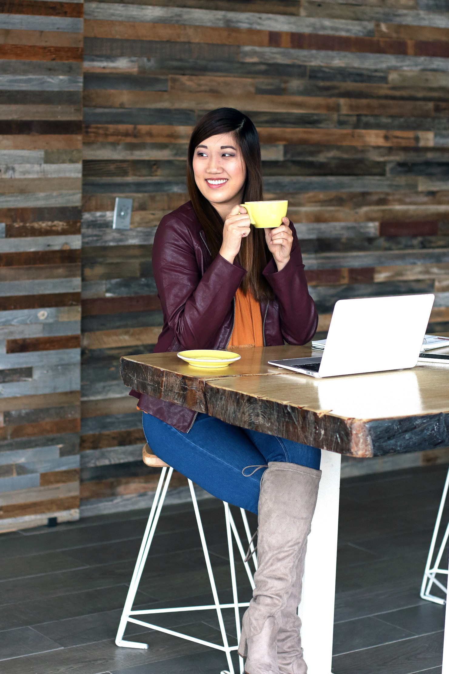 PC: Sharon Litz (@sharonlitz) from www.sharinaona.com (Taken at Coffee For Two)