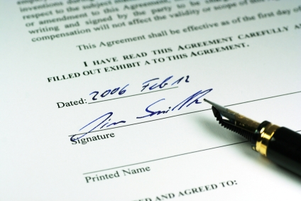 A good contract protects both the client and the photographer and helps avoid misunderstandings.