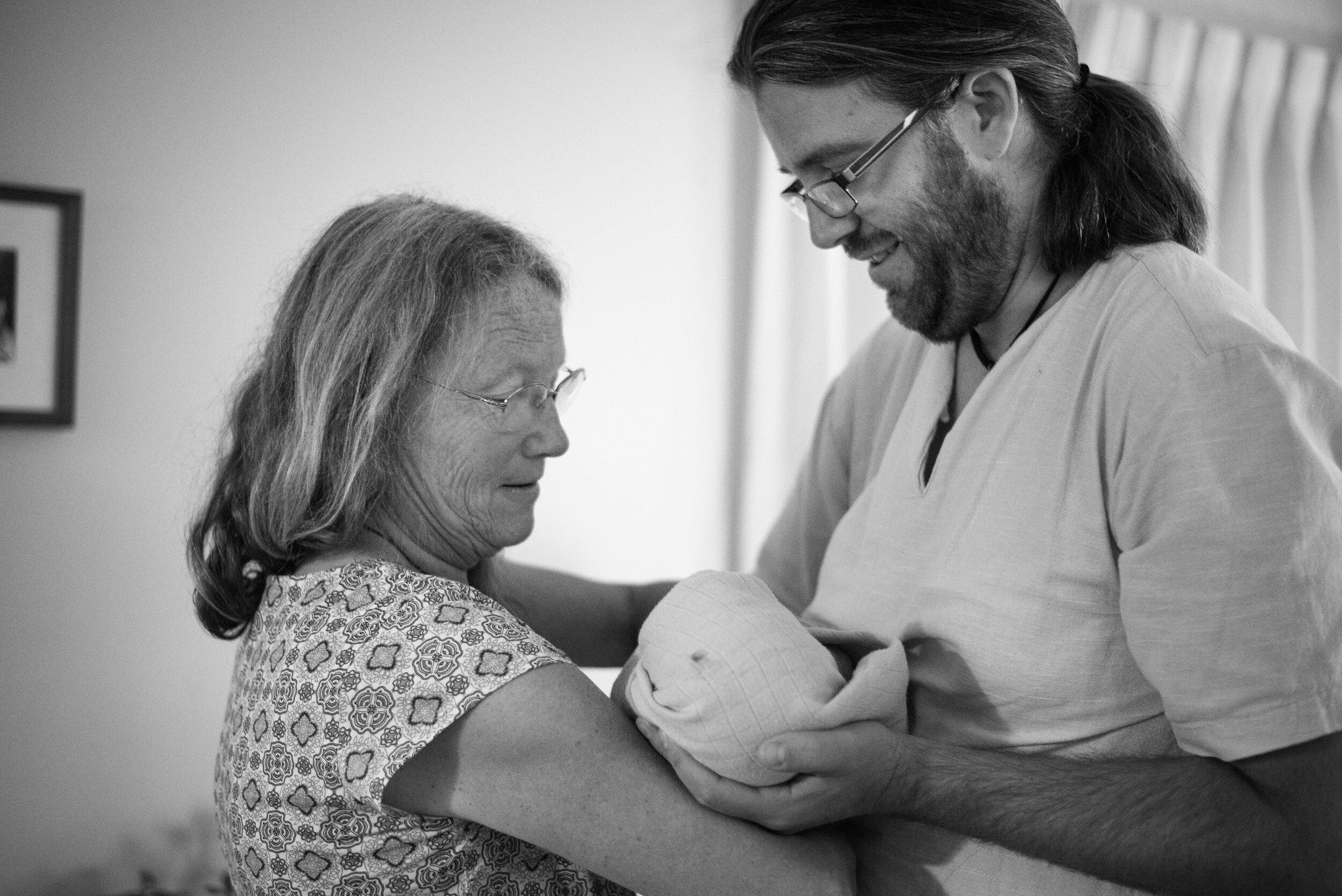 Kate Neale Photography.  Burnaby birth.  Home birth_.jpg
