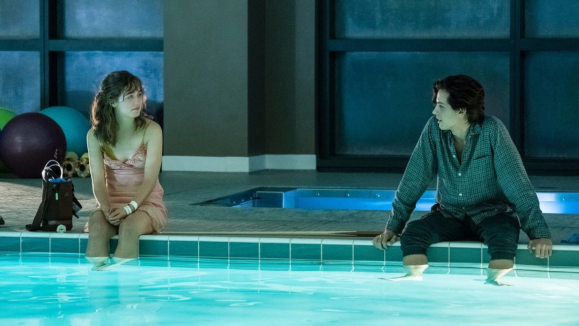 HAley lu Richardson & COle Sprouse in  Five Feet Apart  | TEen Vogue