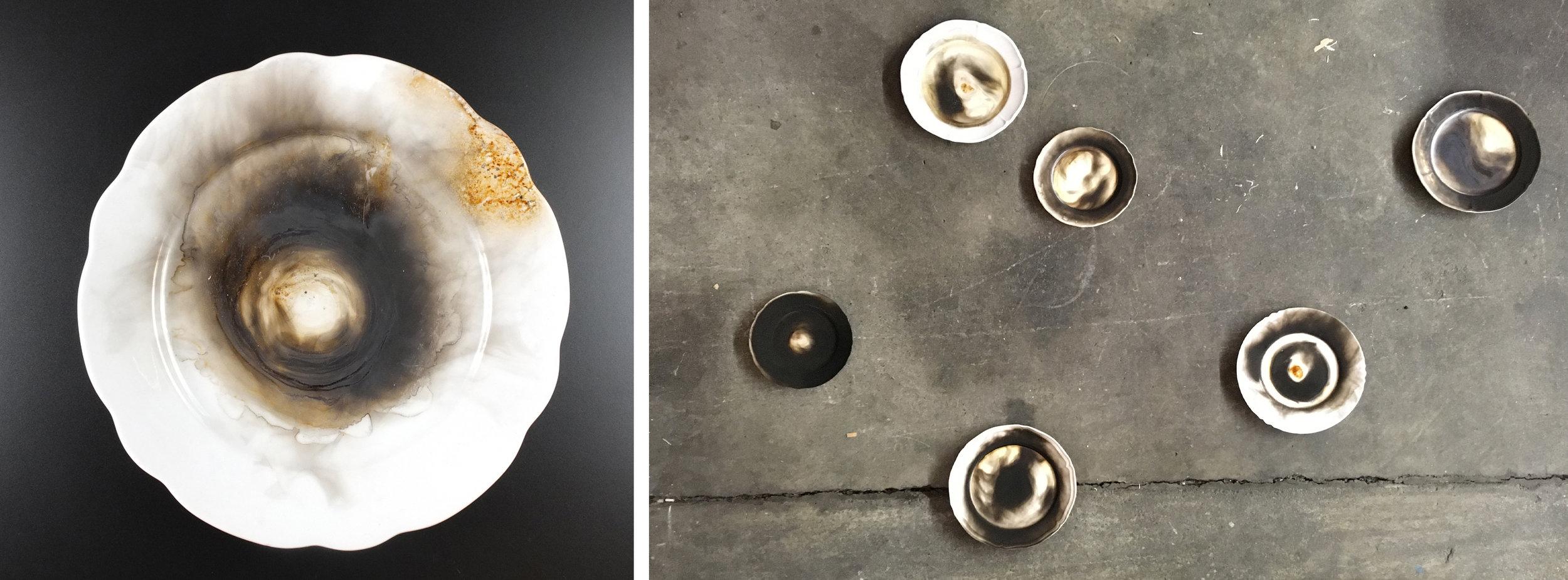 Endogen, 2018    Objektserie   Zu sehen sind Russzeichnungen auf glatten Tellern. Die Entflammung nimmt Bezug auf rituelle Verbrennungen. Mit Hilfe des Feuers und seiner reinigenden Kraft erhofft man sich durch das Verflüchtigen materieller Dinge Vergangenes hinter sich zu lassen. In den Tellerobjekten wird der Verbrennungsprozess als Spuren sichtbar. Es lässt sich nur erahnen was verbrannt wurde.