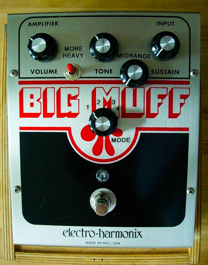 AMP ON FIRE modified NY Big Muff. First generation.