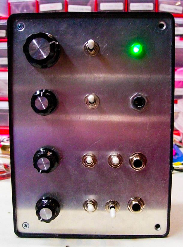 Early Mountainking device. Can't quite remember what it was, most likely a mad scientist style VCO.