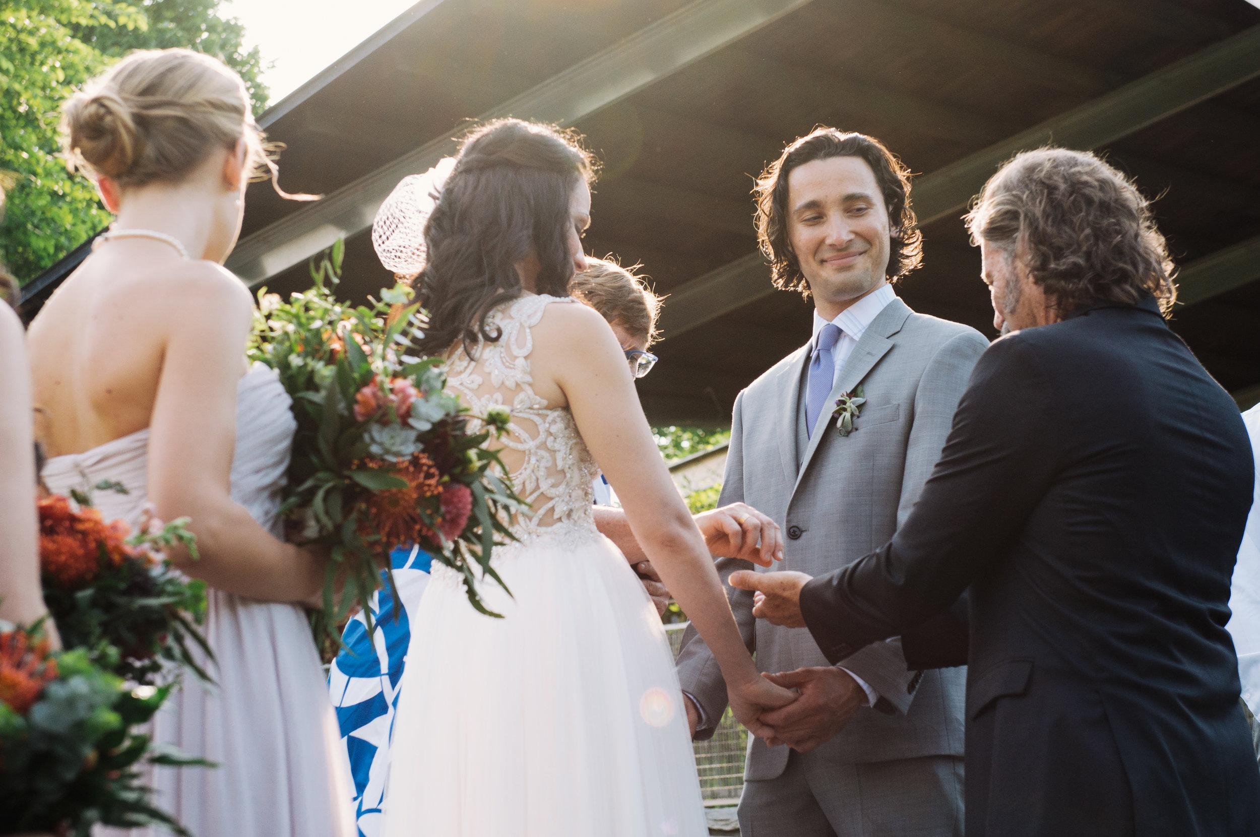 Weddings_BradRaquel_©meghanireland2016_28.jpg