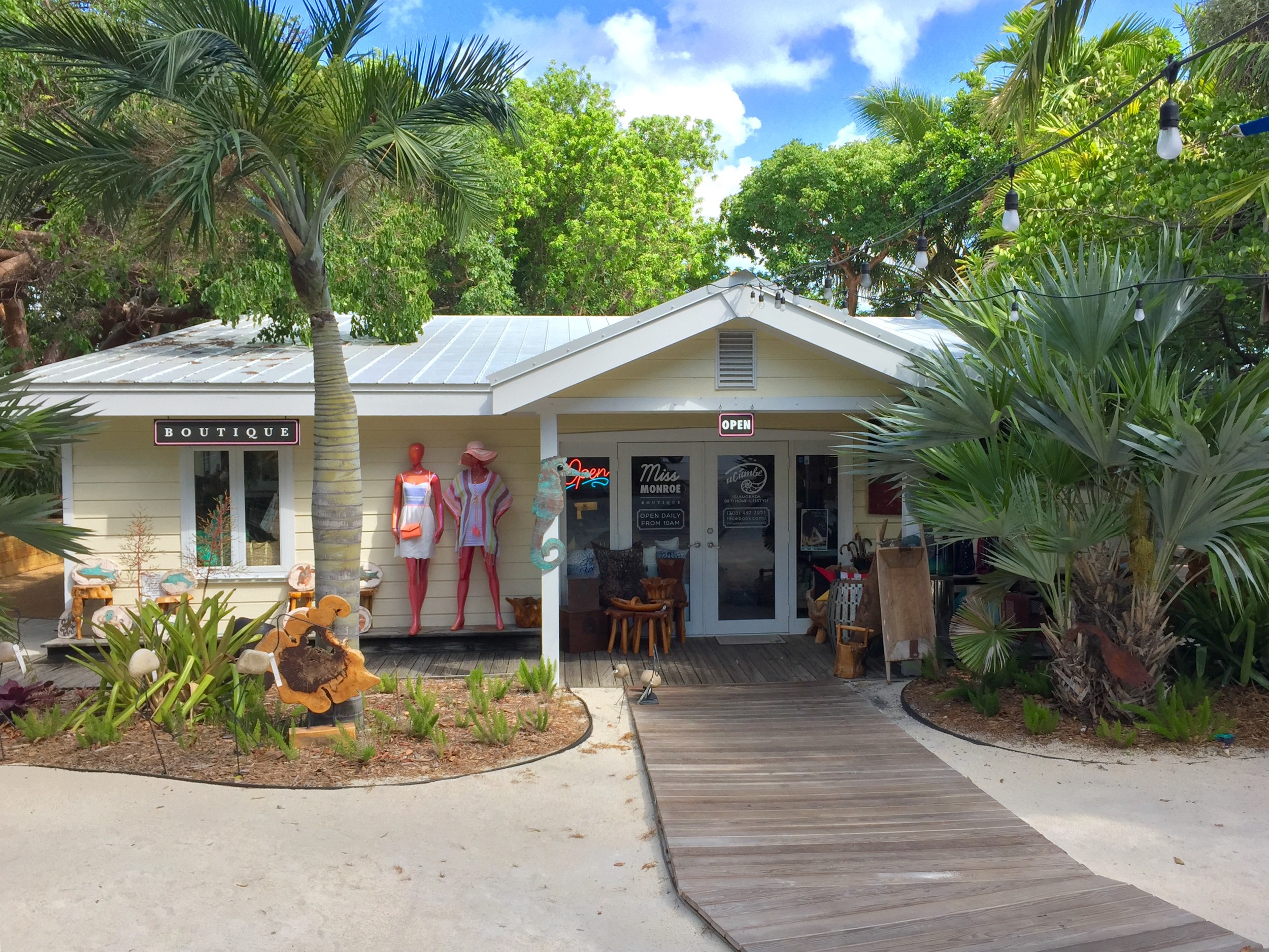 Welcome to Village Square Islamorada.