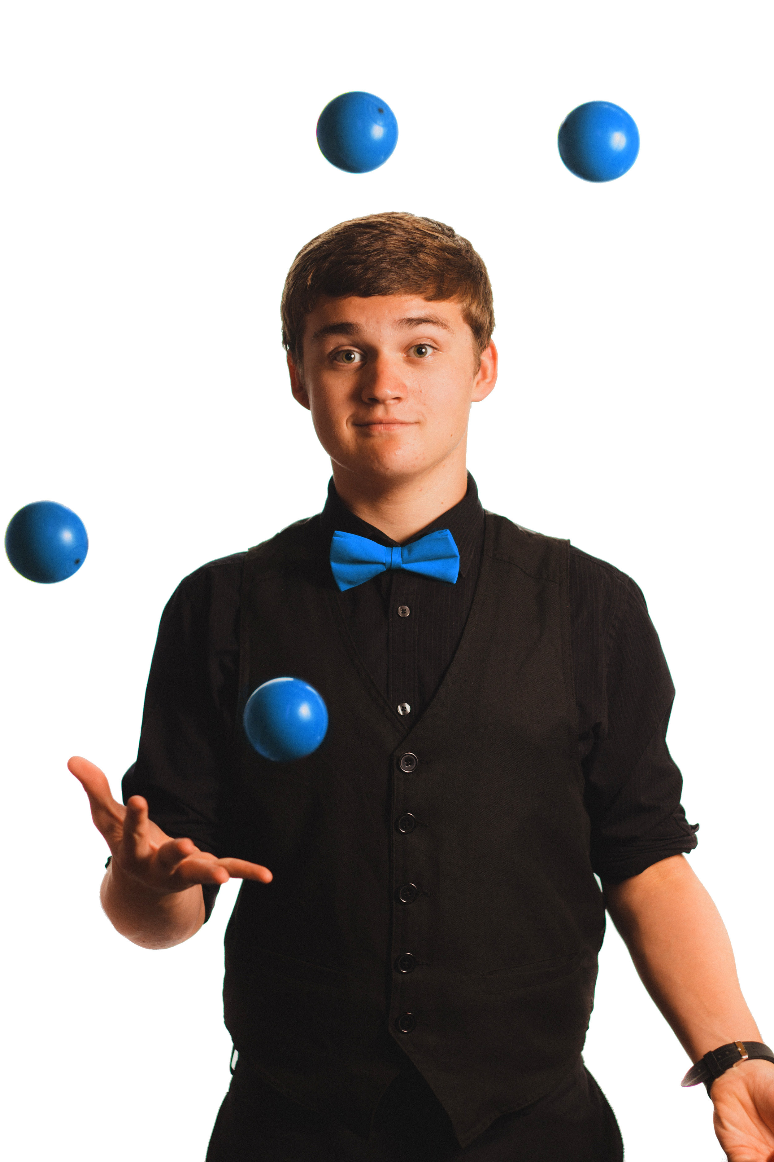 Juggling 5 balls BLUEx.jpg
