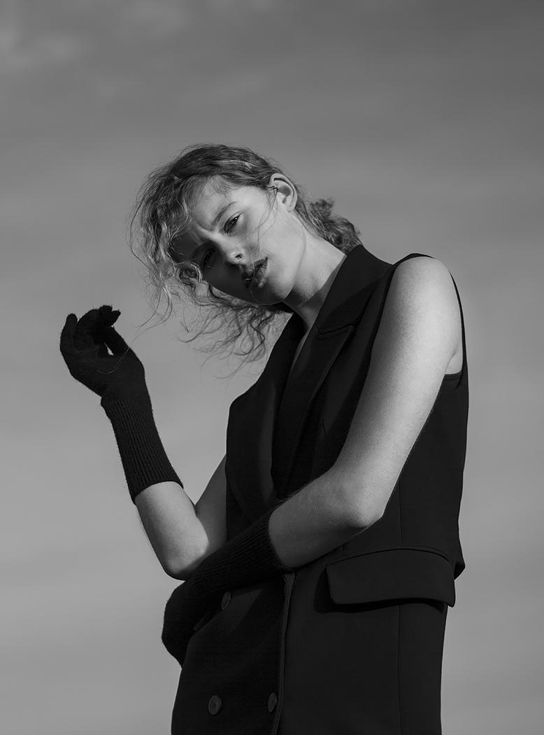 ABANDONED SOUL  Published On 19 January 2016   Photographer  L.R Vervelde  Model  Chayenne van der Hoek @BM Model Management
