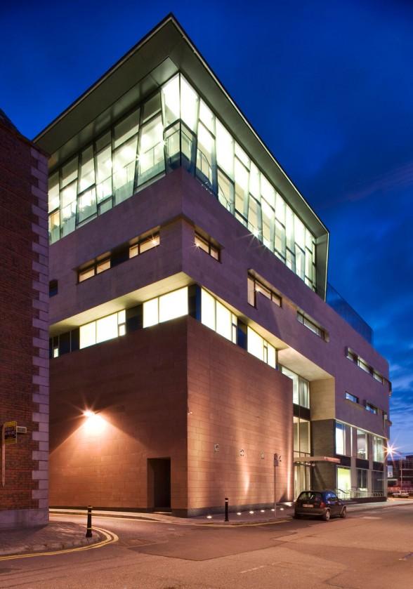 CIT-Cork-School-of-Music-Design-by-Murray-Ó-Laoire-Architects-588x839.jpg
