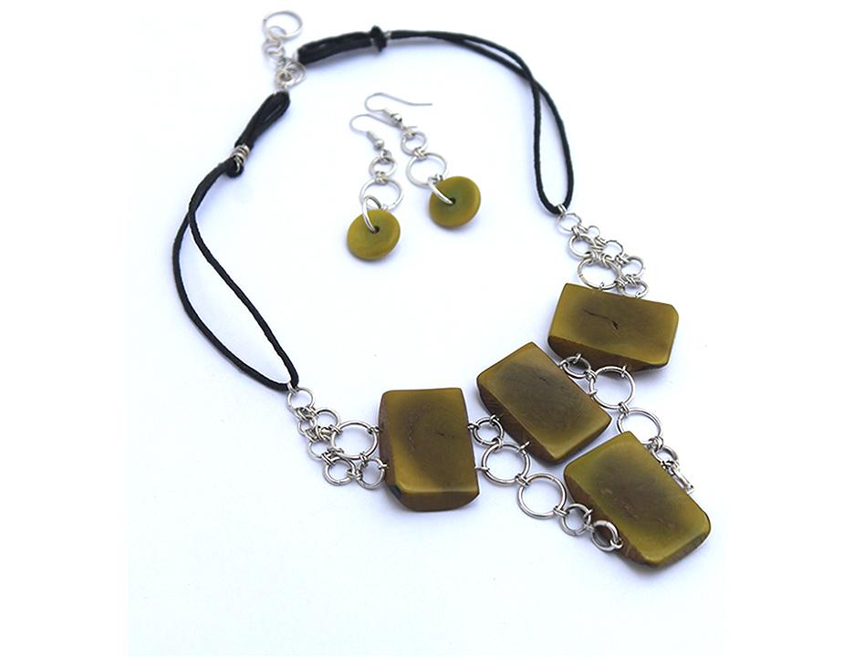 olive tagoa E.jpg