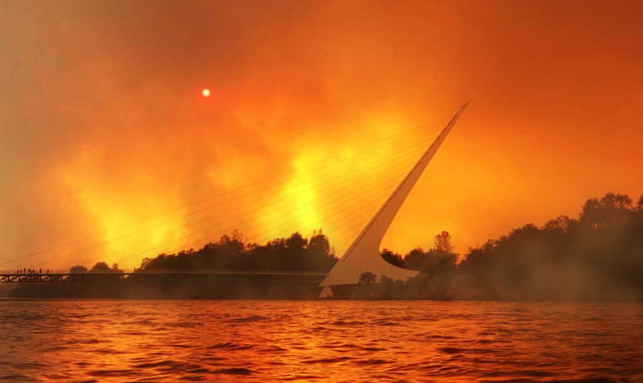 Carr Fire & The Sundial Bridge: Image from - https://imgur.com/XzjaSrB