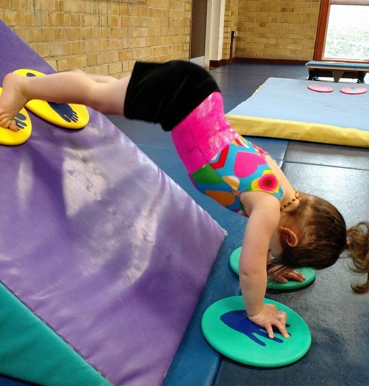 Under 5's Gymnastics - These classes are provided for children under the age of 5 and are based around basic motor skill development and exploration of gymnastics movement. The classes operate on the Bracknell Gymnastics Club badge scheme covering Badges 1-3.