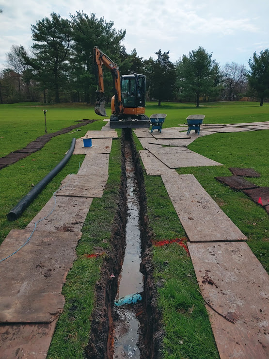 2019-04-17-trenched-drainage-in-progress.jpg