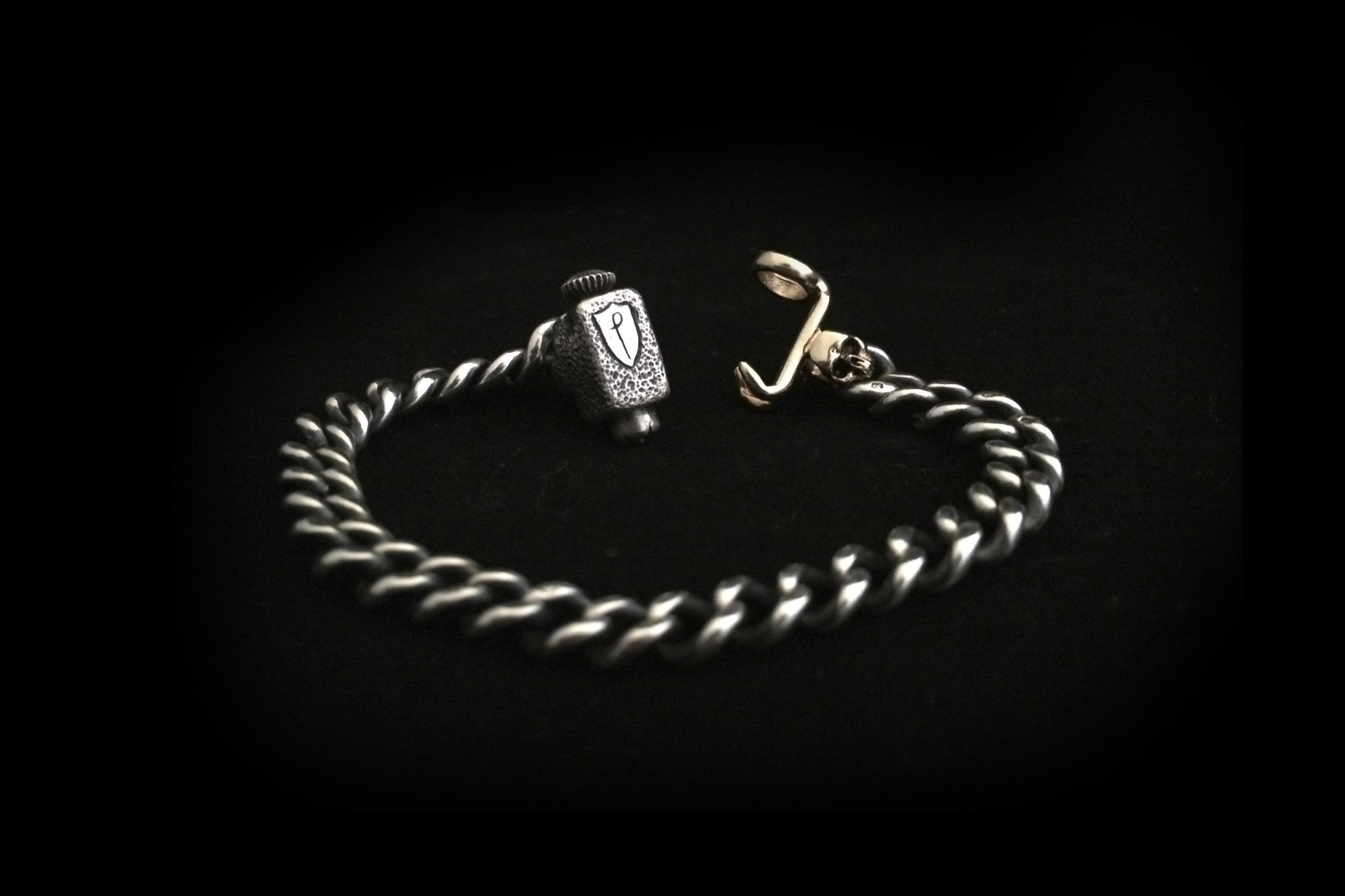 Albert chain skull bracelet.jpg