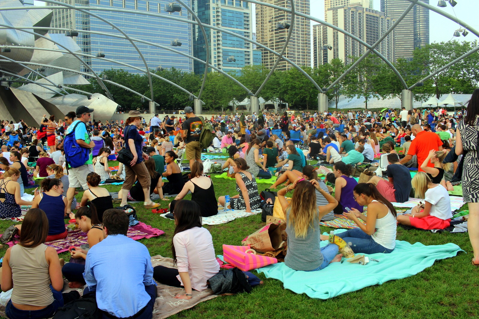The crowds at the Pritzker Pavilion.
