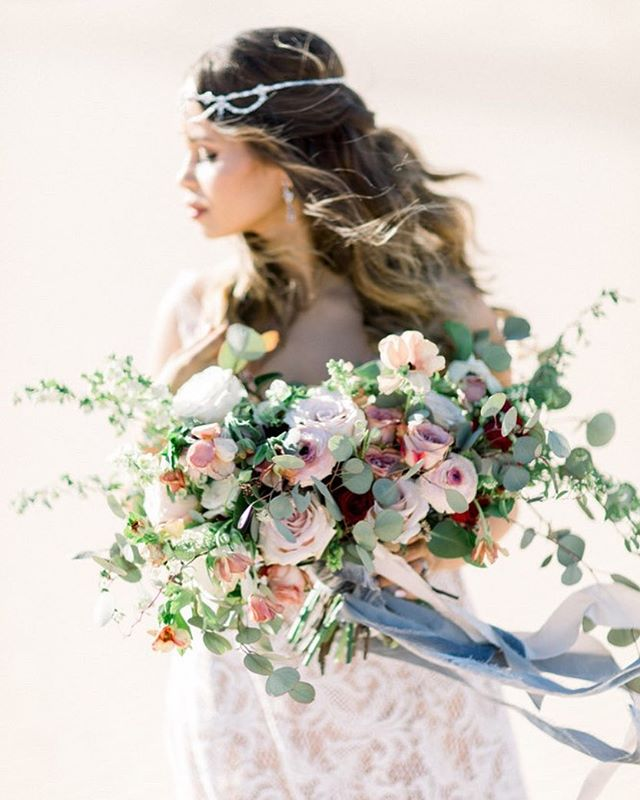 A dreamy sun kissed day in the desert ~ and the bouquet of my dreams by the crazy talented  @oak_amble 💕 . . Photographer @sisterleephotography  Coordinator @livfortheday  Florist @oak_amble  HMUA @megansmakeup  Model @ariellenatasha . . . ⠀⠀⠀⠀⠀⠀⠀⠀⠀ ⠀⠀⠀⠀⠀⠀⠀⠀⠀ #orangecountyweddingphotographer #lagunabeachweddingphotographer #soloverly #theknot #inspiredbythis #ceremony #fineartweddingphotographer #fineartcuration #fineartphotography #sisterleephotography #engagedandinspired #southerncaliforniaweddingphotographer #brightandairyweddingphotography